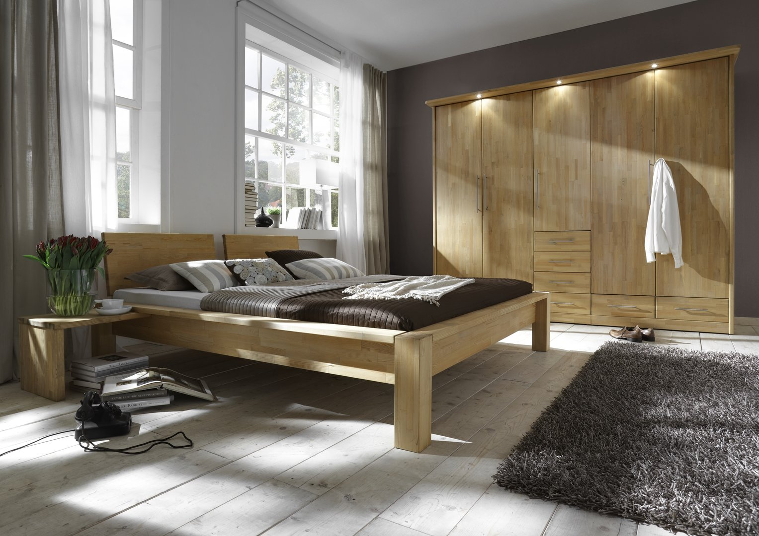 wunsch kleiderschrank kiefer astfrei gelaugt auslaufend. Black Bedroom Furniture Sets. Home Design Ideas
