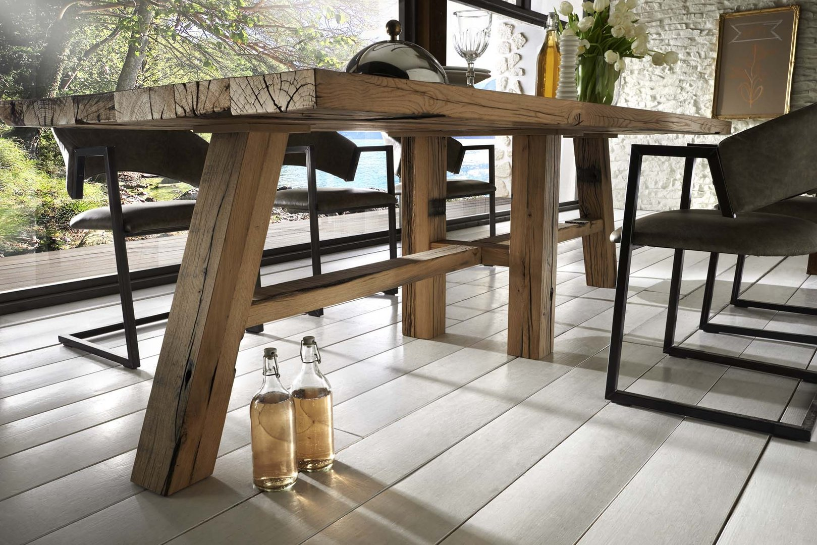 esstisch aus waggoneiche. Black Bedroom Furniture Sets. Home Design Ideas
